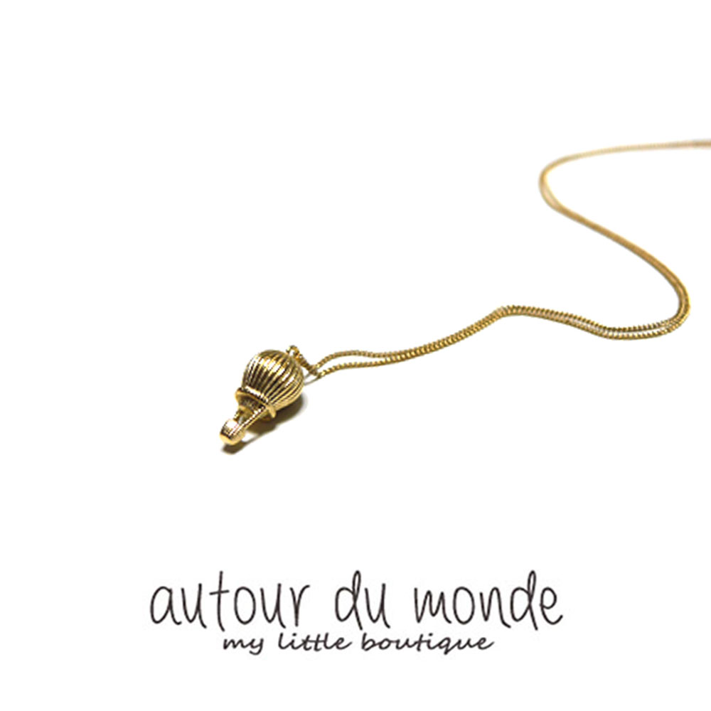 air balloon gold necklace